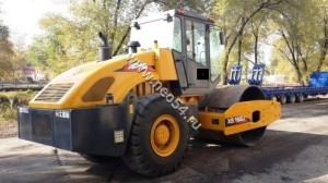 Каток дорожный XCMG XS162J